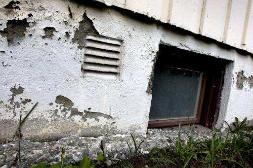 ISOLASJON: Det kan være fornuftig å etterisolere en gammel grunnmur.  Foto: GORM KALLESTAD/NTB SCANPIX