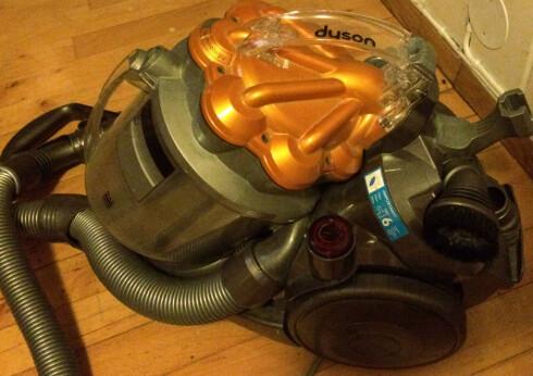 STORSPISEREN: Dyson-støvsugeren jafset i seg 1340 watt. Heldigvis er det ikke så ofte vi bruker den... Foto: TORE NESET