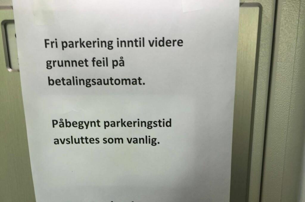 <b> KAN DU BARE GÅ? </b> Vi har sett nærmere på hvilke rettigheter du har når du møter en slik plakat på parkeringsautomaten. Foto: HANNA SIKKELAND