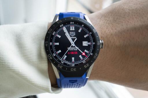 KJENT: Connected-klokka minner mye om TAG Heuers Carrera-serie. Foto: JON HENRIK HARALDSEN/TIDSSONEN
