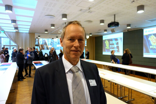 NYE KRAV: Politiinspektør og prosjekteier i Politidirektoratet, John Kristian Thoresen, forteller at forsinkelsene skyldes nye sikkerhetskrav. Foto: KRISTIN SØRDAL