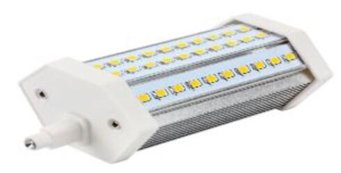 TIL STÅLAMPE: R7 er navnet på LED-erstatteren til mange norske stålamper. Foto: LAMPEHUSET