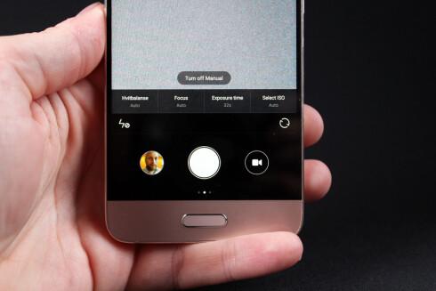 ENKEL: Xiaomis kameraapp er brukervennlig og minimalistisk. Foto: PÅL JOAKIM OLSEN