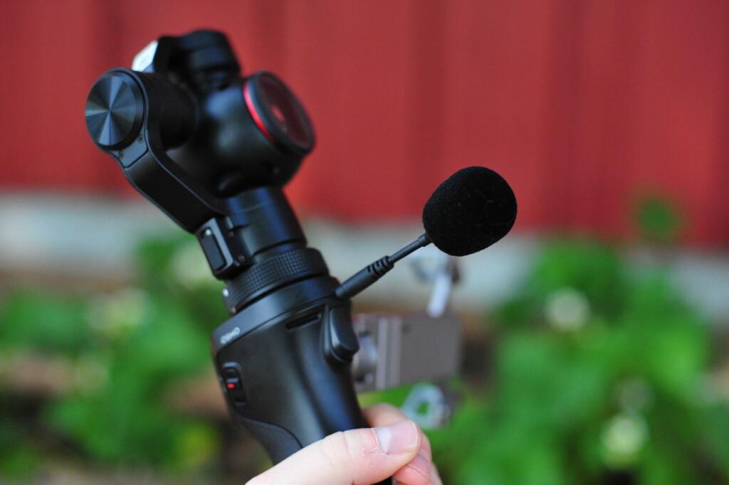 SCHWING: Den eksterne mikrofonen følger med i esken og er høyst nødvendig om du også skal bruke lyden fra videoopptaket. Foto: PÅL JOAKIM OLSEN