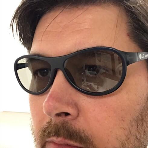 3D-BRILLER: Det er kun LG av disse tre som har støtte for 3D-film. To passive briller følger med. Foto: BJØRN EIRIK LOFTÅS
