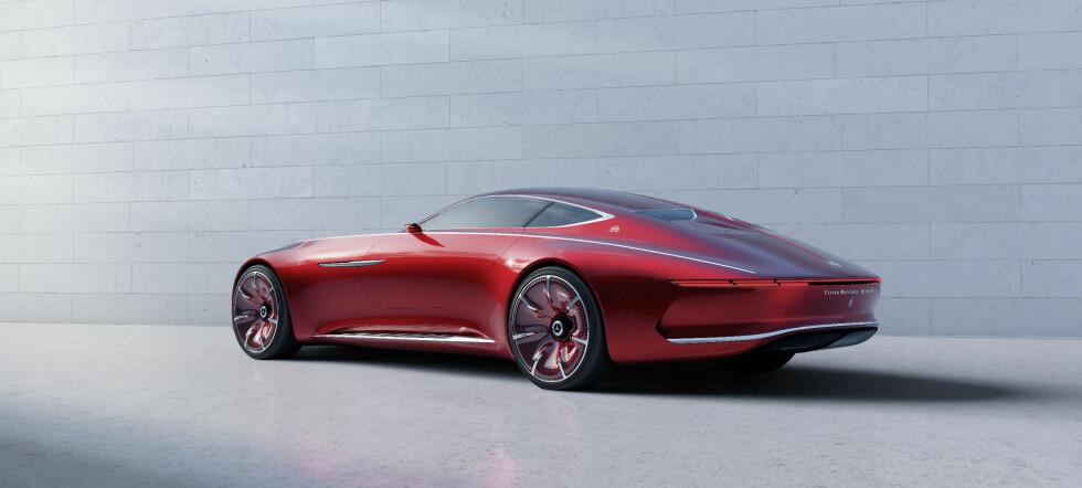 NYTOLKNING: Aero Coupé betyr aerodynamisk - og Mercedes-Maybach hevder de har oppnådd fantastisk effektiv aerodynamikk bare takket være bilens fasong. Foto: Daimler AG
