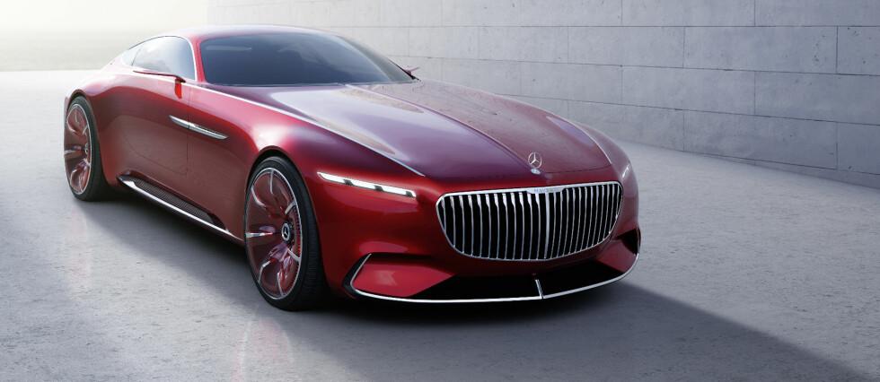 EKSTRAVAGANT: Vision Mercedes-Maybach 6 er en spektakulær stilstudie og en teknologidemonstrasjon på samme tid. Den hinter til 30-tallets aero-trend innen bildesign - men er også en elbil med høye ytelser. Foto: DAIMLER AG