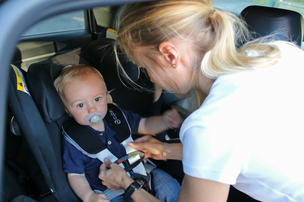 VELG RIKTIG: Sikring av barn i bilen er avgjørende for sikkerheten.  Foto: NAF