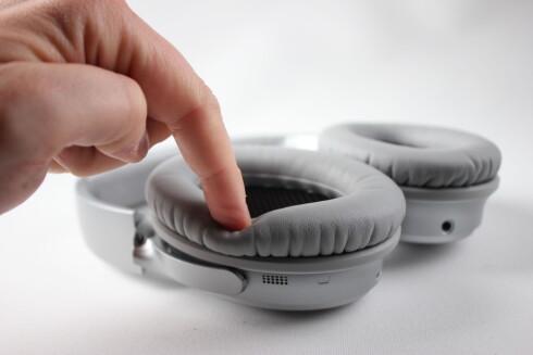 MYKE: Øreputene er myke og gjør QC35 særdeles komfortable å ha på; også over lenger tid. Foto: PÅL JOAKIM OLSEN