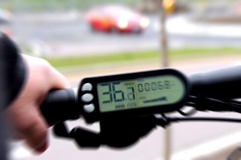 ULOVLIG: Motoren skal ikke hjelpe deg når du passerer 25 km/t. Foto: OLE PETTER BAUGERØD STOKKE