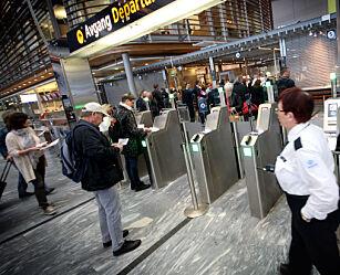 image: Disse passasjerene slipper å betale flypassasjeravgift