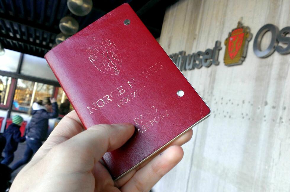 PÅGANG: Du må ta tiden til hjelp om du skal søke  om pass i Oslo. Foto: OLE  PETTER BAUGERØD STOKKE