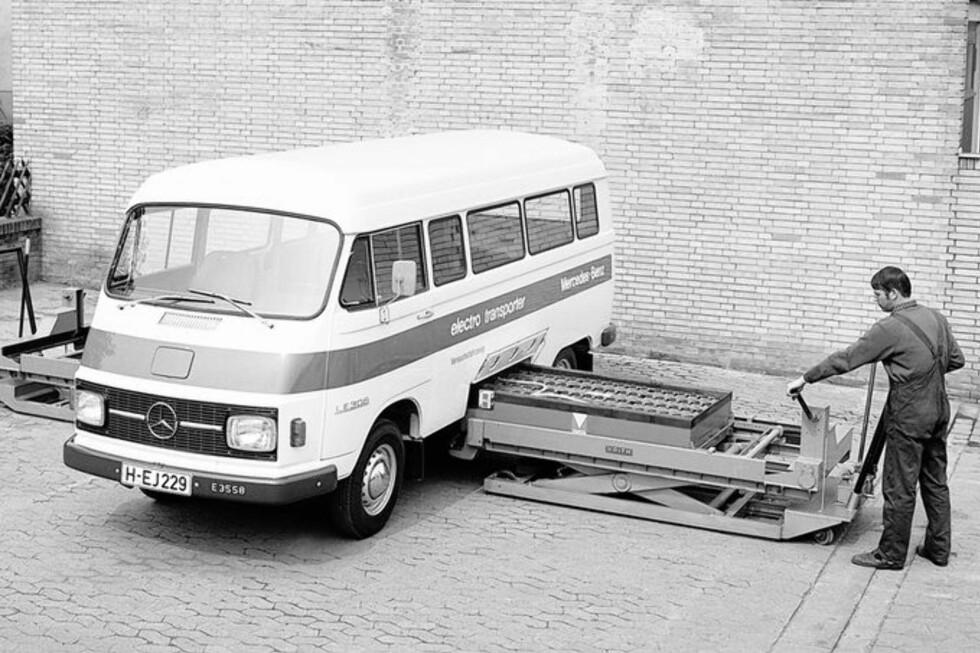 IKKE NOE NYTT: Elbiler har eksistert i lange tider. Til og med batteribytte har vært å finne fra gammelt av.  Foto: Mercedes-Benz
