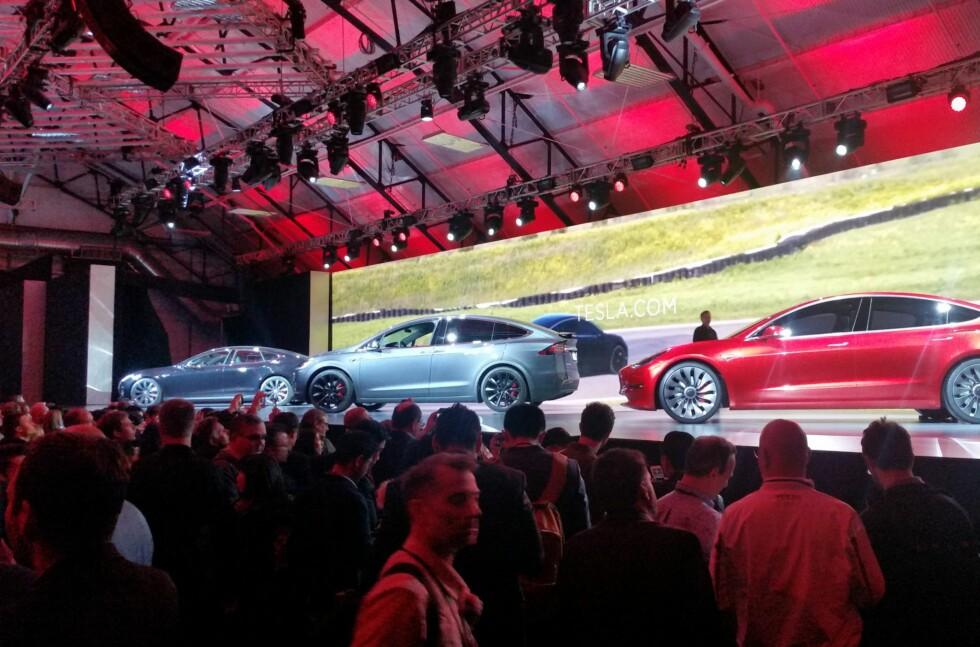 MODEL 3: Tidligere i år lanserte Tesla Model 3, bilen som skal være mulig for allmenheten å kjøre.  Foto: BJØRN NYLAND