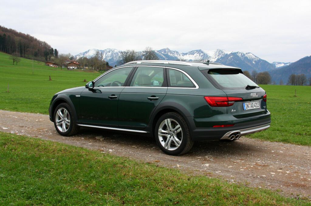 SUV-ALTERNATIV: Nye Audi A4 Allroad er et bra alternativ til SUV med sin høye bakkeklaring og røffe utseende. Foto: KNUT MOBERG