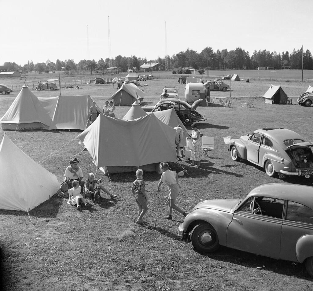 CAMPING: Pakk ned teltet og dra på biltur til helgen!  Foto: NTB SCANPIX