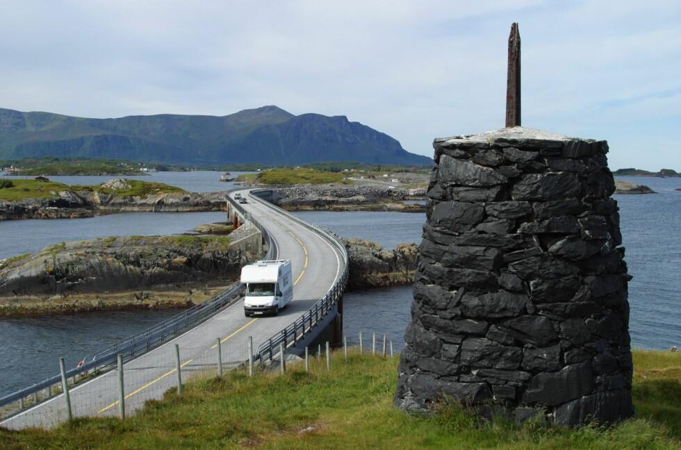EUROPAS FLOTTESTE VEI: Atlanterhavsveien er Europas flottes bilferiedestinasjon, ifølge en formel utviklet av TomTom og psykolog Dr. David Holmes. Foto: SAMFOTO