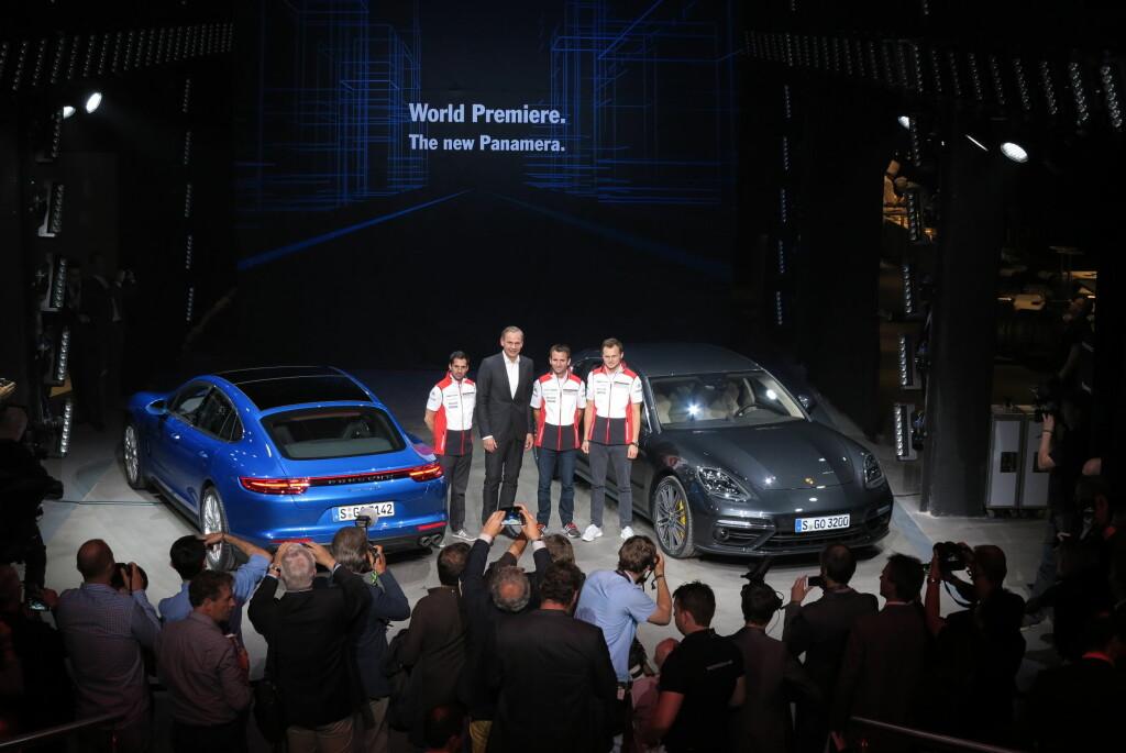 <b>LANSERT:</b> Porsche hadde tatt med seg et knippe av testførerne til lanseringen. Norske Dennis Olsen var dessverre ikke å se.  Foto: Fred Magne Skillebæk