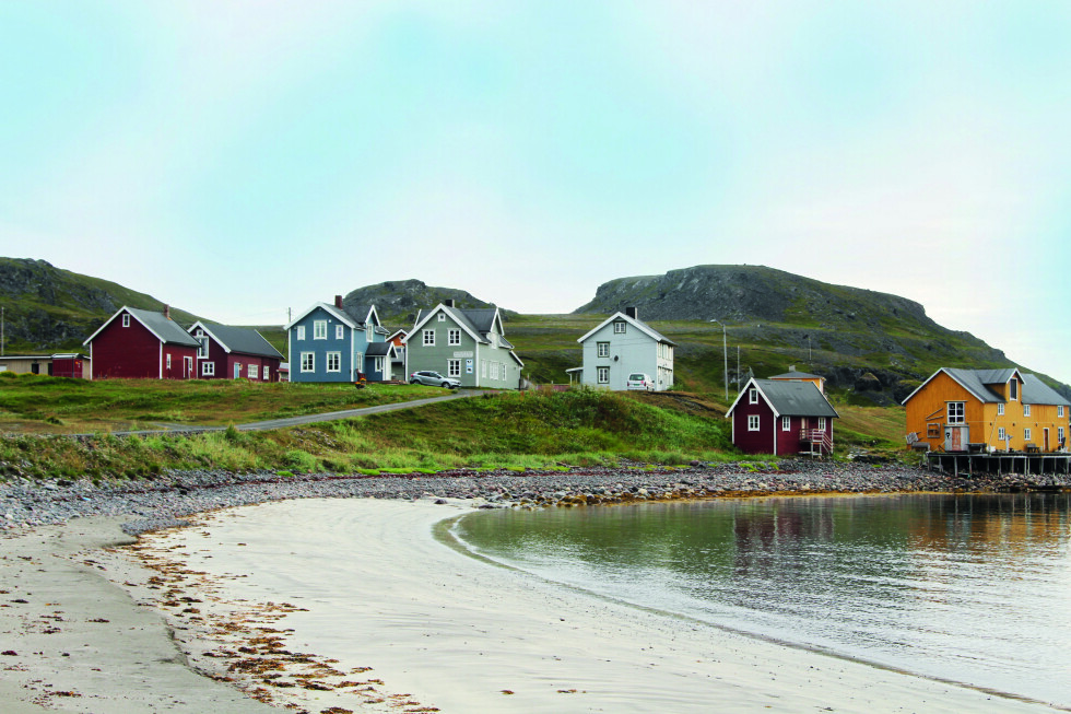 MATGLEDE: Er du først langt nord i Finnmark bør du unne deg en tur innom Kongsfjord Gjestehus. Om ikke annet, så bare for maten.  Foto: Rune Korsvoll, Motor/NAF