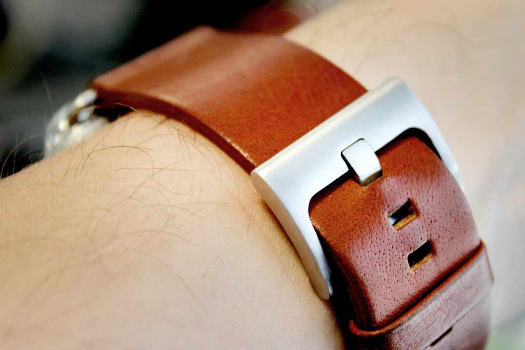 IKKE VERDT PENGENE: Å kjøpe de dyrere Apple Watch-modellene er ikke verdt prisen, i våre øyne. Bytter du reim, vil Sport-modellen plutselig ikke se så... sporty ut lenger. Foto: OLE PETTER BAUGERØD STOKKE