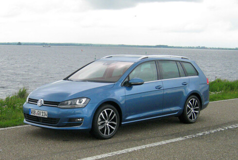 MEST SOLGT: Volkswagen Golf er den mest solgte, like bak Toyota Corolla som er verdens mest solgte bil.  Foto: Knut Moberg