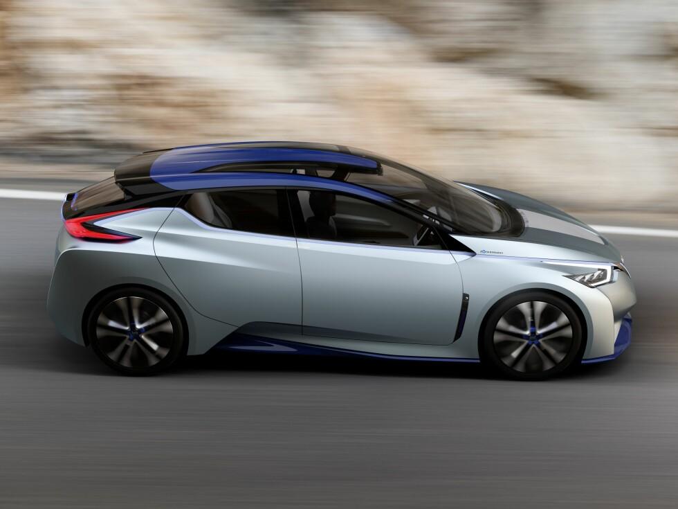 TENKER SELV: Nissan IDS Concept er en elbil med 60 kWt batteripakke. Den har også full autopilotfunksjon basert på kunstig intelligens (AI). Foto: NISSAN