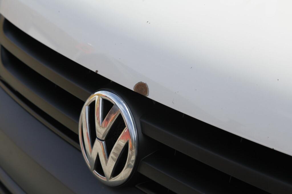 RUST: Mange bilmodeller har de siste årene fått store rustproblemer. Husk å spørre om historikken til bilen før du bestemmer deg.  Foto: KNUT ARNE MARCUSSEN