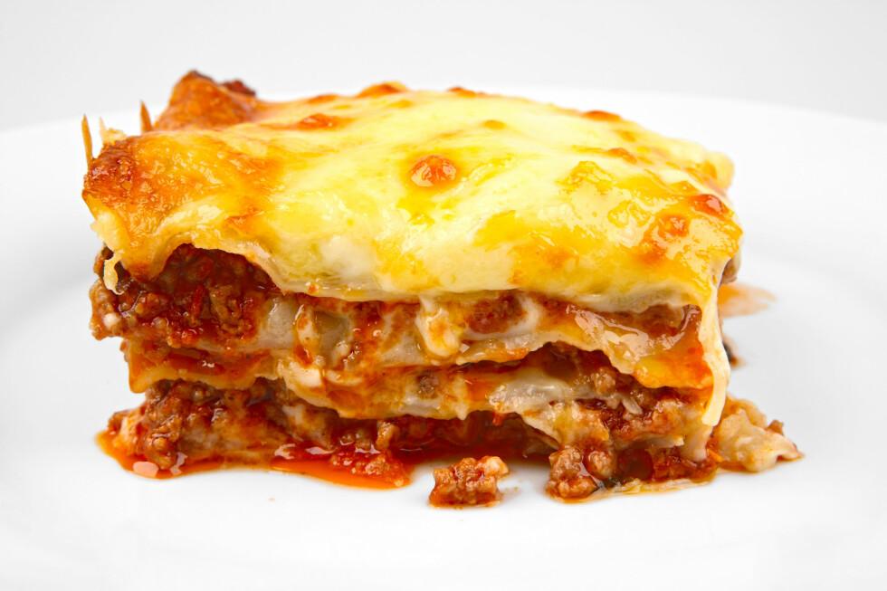 LASAGNE: Å lage lasagne fra bunnen av trenger ikke være dyrt, og kan varieres i det uendelige. Foto: SHUTTERSTOCK