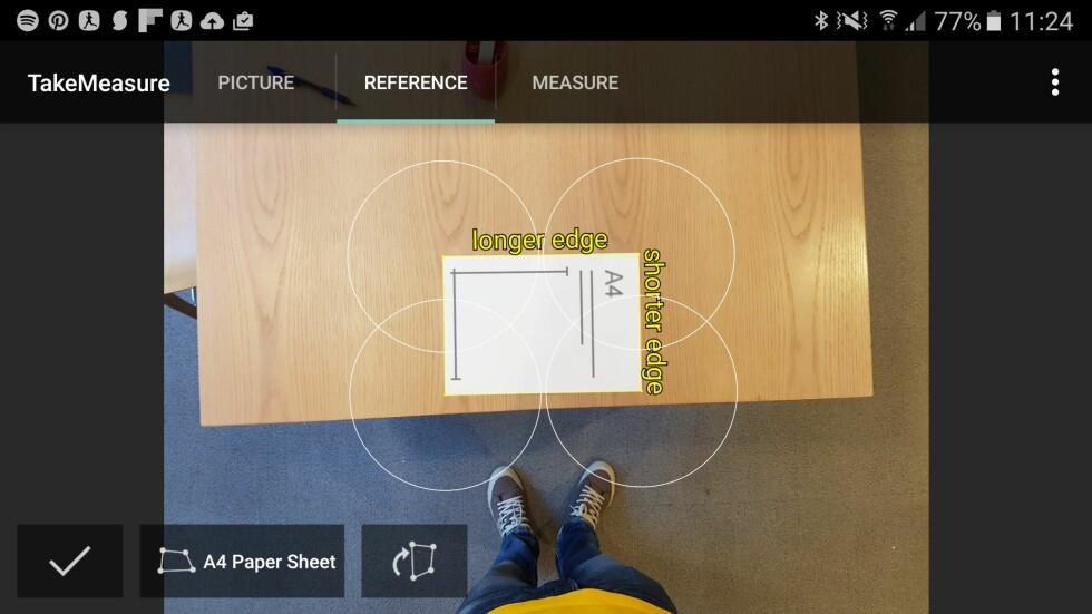 MERK ARKET: Når du har markert A4-arket på bildet, kan du måle avstsanden mellom to punkter. Foto: PÅL JOAKIM OLSEN