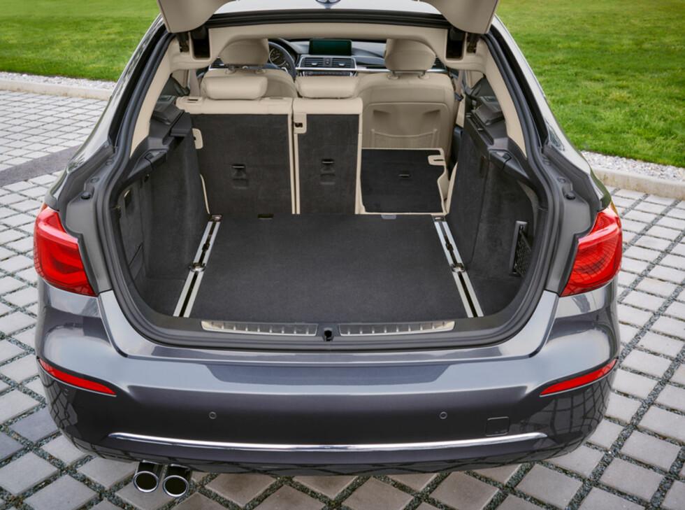 RAUST: Bagasjerommet tar i mot fra 520- til 1.600 liter bagasje. Foto: BMW
