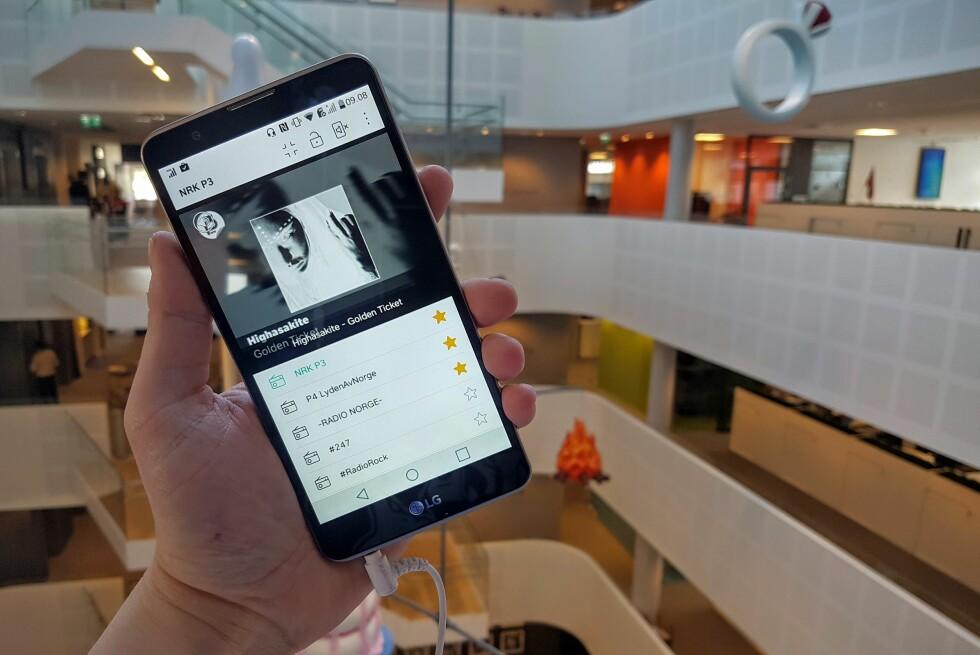 MED DAB: LG Stylus 2 er den første telefonen på det norske markedet som støtter DAB+; den nye radiostandarden som faser ut FM neste år. Foto: PÅL JOAKIM OLSEN