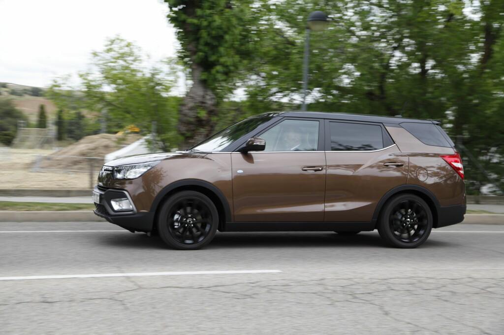 <B>SPESIELL DESIGN</B>: Ingen kan klandre SsangYong for å ha tenkt mainstream da de utformet denne bilen. Foto: KNUT ARNE MARCUSSEN