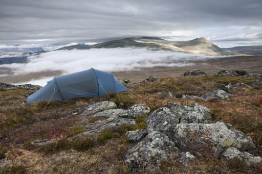 VELGER TELT: Mange velger også telt som soverom når de er på ferie. Sørlendingene er ivrigst, mens oslobefolkningen foretrekker andre løsninger.  Foto: Samfoto