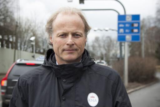 OPPGITT: Børre Skiaker i KNA mener Vegdirektoratet heller bør sikte mot satellittsystemene, i stedet for å fortsette med bomstasjonene slik som idag.  Foto: Rolf Magnus W. Sæther, Newswire