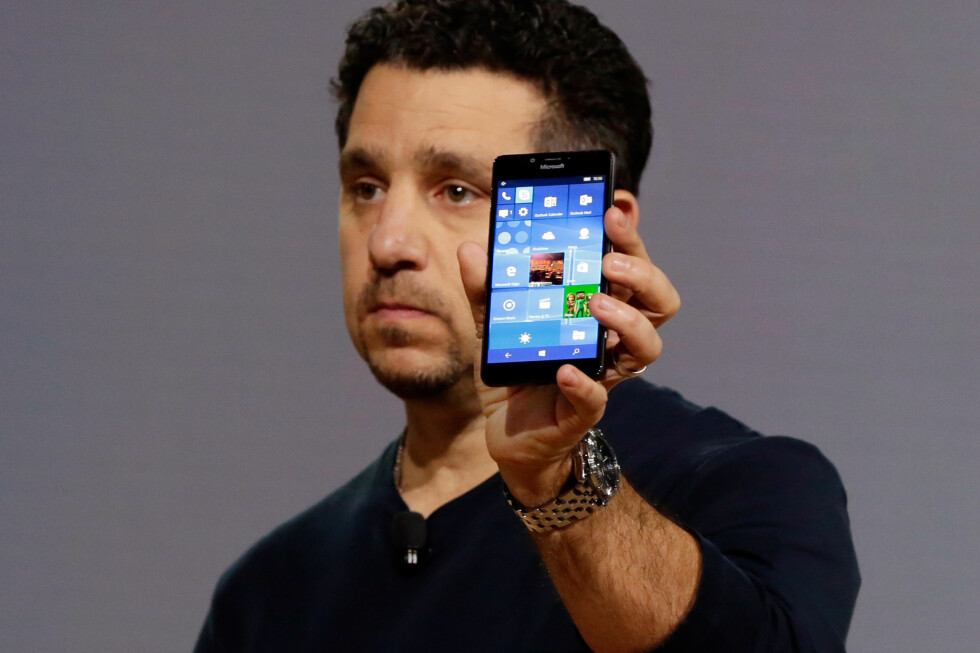 SPIKEREN I KISTA? Selv om mange fikk tilbake troen på Microsoft under lanseringen av de nye Lumiaene i høst, viser salgstallene noe helt annet. Foto: Richard Drew / Ap / NTB Scanpix
