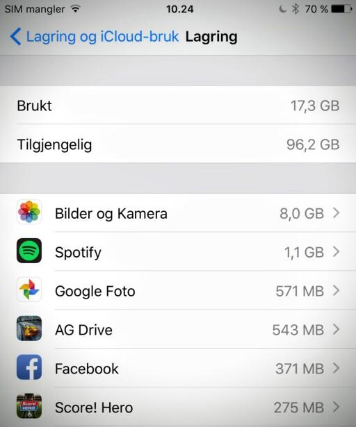 DETTE TAR PLASS: Her ser du hva som tar opp plass på iPhone. Offline-spillelister i Spotify tar sitt. Det samme gjør bilder og video. Foto: PÅL JOAKIM OLSEN