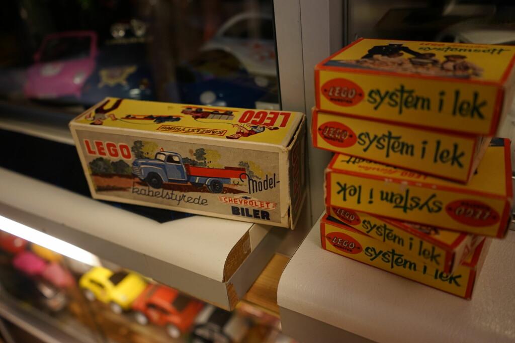 LEGO: Før plastklossene tok over, laget Lego skalamodeller av biler, busser og det meste annet.  Foto: PAAL KVAMME