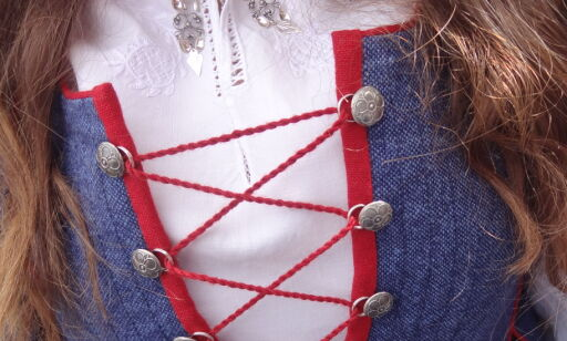 image: Slik fikser du bunadsskjorta
