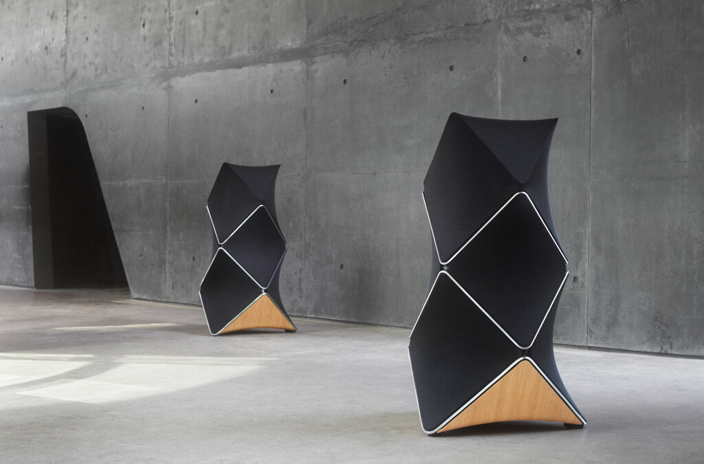 <b>«BARE» 660.000:</b> Bang & Olufsens jubileumshøyttaler, Beolab 90, ser mer ut som en skulptur enn høyttaler, låter bra og har en prislapp som vil skremme bort de aller fleste av oss. Foto: BANG & OLUFSEN
