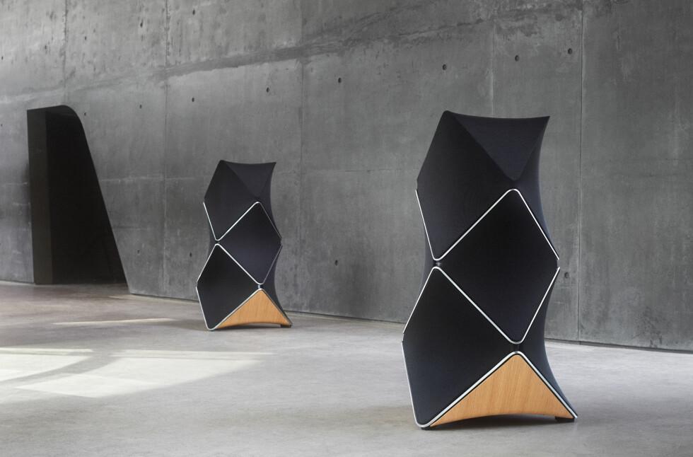 «BARE» 660.000: Bang & Olufsens jubileumshøyttaler, Beolab 90, ser mer ut som en skulptur enn høyttaler, låter bra og har en prislapp som vil skremme bort de aller fleste av oss. Foto: BANG & OLUFSEN