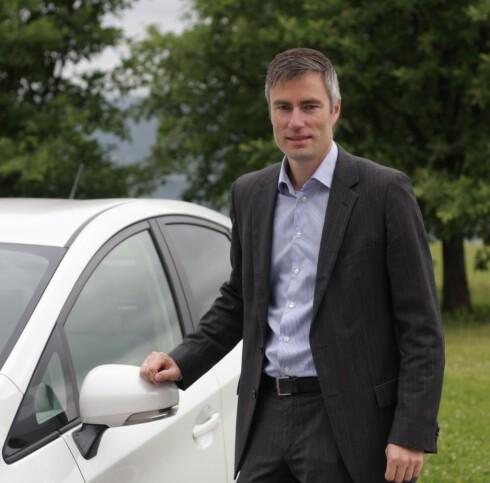 TAR TID: Kommunikasjonssjef Espen Olsen i Toyota forteller at det vil ta tid å skifte alle berørte biler.  Foto: Toyota