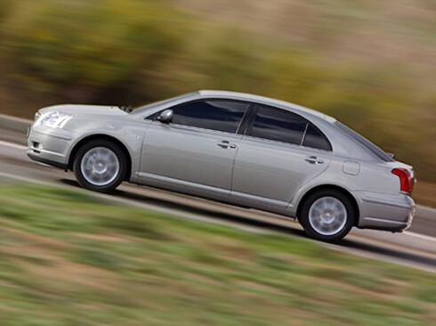 <strong><b>Toyota Avensis:</strong></b> Årsmodellene fra august 2002 til oktober 2008 er den enkeltmodellen som må få byttet flest puter - i alt 27.200 biler.   Foto: Toyota