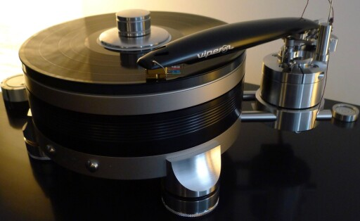 VINYL: Cintinuum Audio Labsdrivverk med tilhørende Viper-arm. Samlet pris: 362.000. Foto: TORE NESET