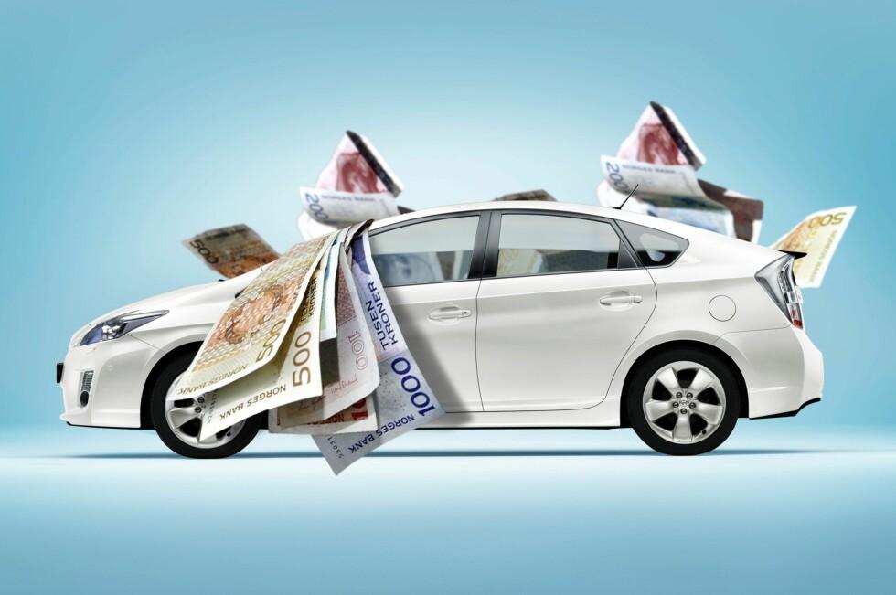 LÅN: Skal du kjøpe deg drømmebilen må du ofte ut med en god slump penger. Da er det viktig å sjekke flere alternativer, på den måten kan du spare tusener.  Foto: Per Ervland