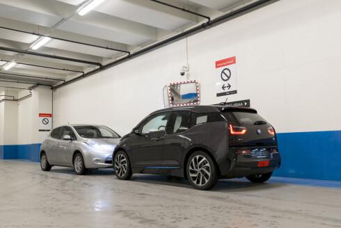 STERKERE LEAF-KONKURRENT: BMW-en vant såvidt duellen i fjor - nå har den i tillegg fått lengre rekkevidde. Foto: JAMIESON POTHECARY