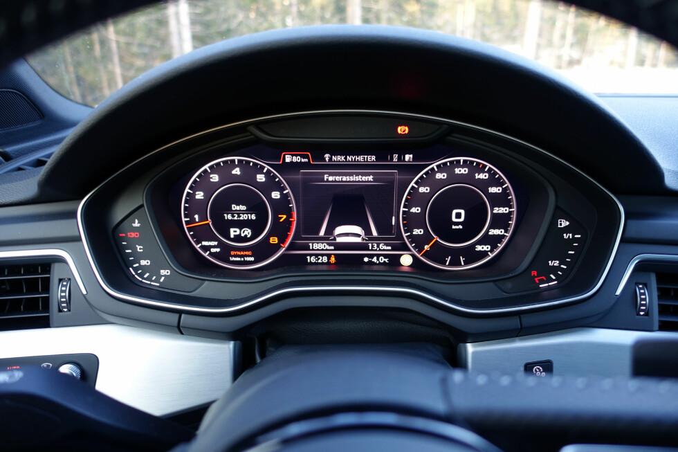 DIGITAL: Instrumentpanelet er nå heldigitalt som på sportsbilen TT, som introduserte dette med siste generasjon. Det gir valgmuligheter med hensyn til layouten på displayet. Foto: KNUT MOBERG