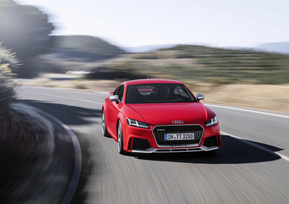 Dynamic photo,  Colour: Catalunya Red Foto: AUDI