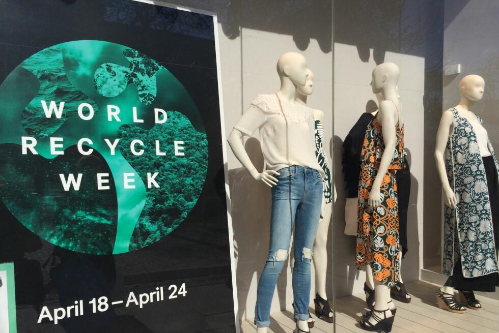 <strong><b>RESIRKULERING:</strong></b> Hele denne uka tilbyr kleskjeden H&M resirkulering av dine gamle klær, men er dette et godt miljøinitiativ? Foto: BERIT B. NJARGA