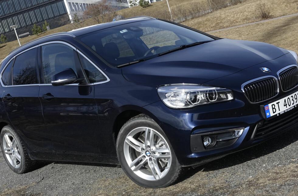 FRISTER NORDMENN: Denne BMWen tilbyr automatgir, firehjulsdrift og 224 hester for 359.000.  Foto: RUNE M. NESHEIM