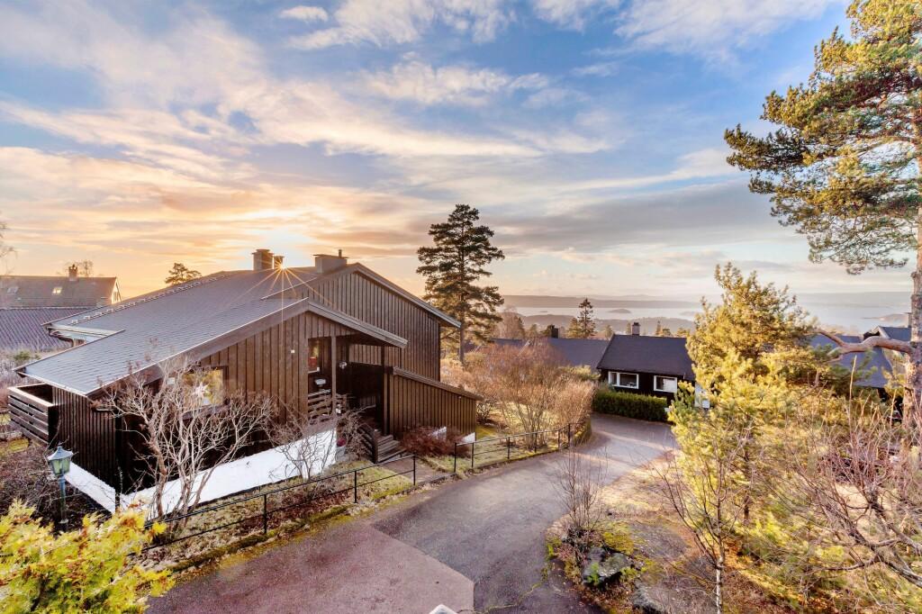 1,4 MILLIONER OVER TAKST: Seterhøybakken 14 C. Foto: EIE EIENDOMSMEGLING